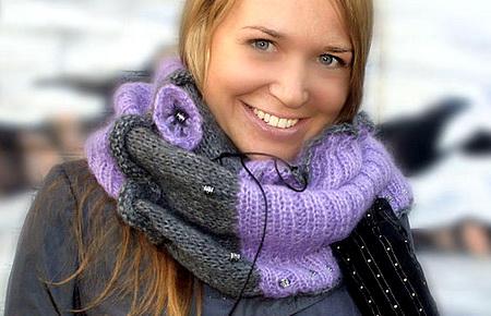 Женский вязаный шарф спицами или крючком