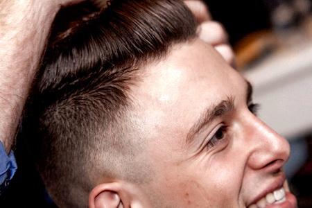 Модные и стильные мужские стрижки на короткие волосы